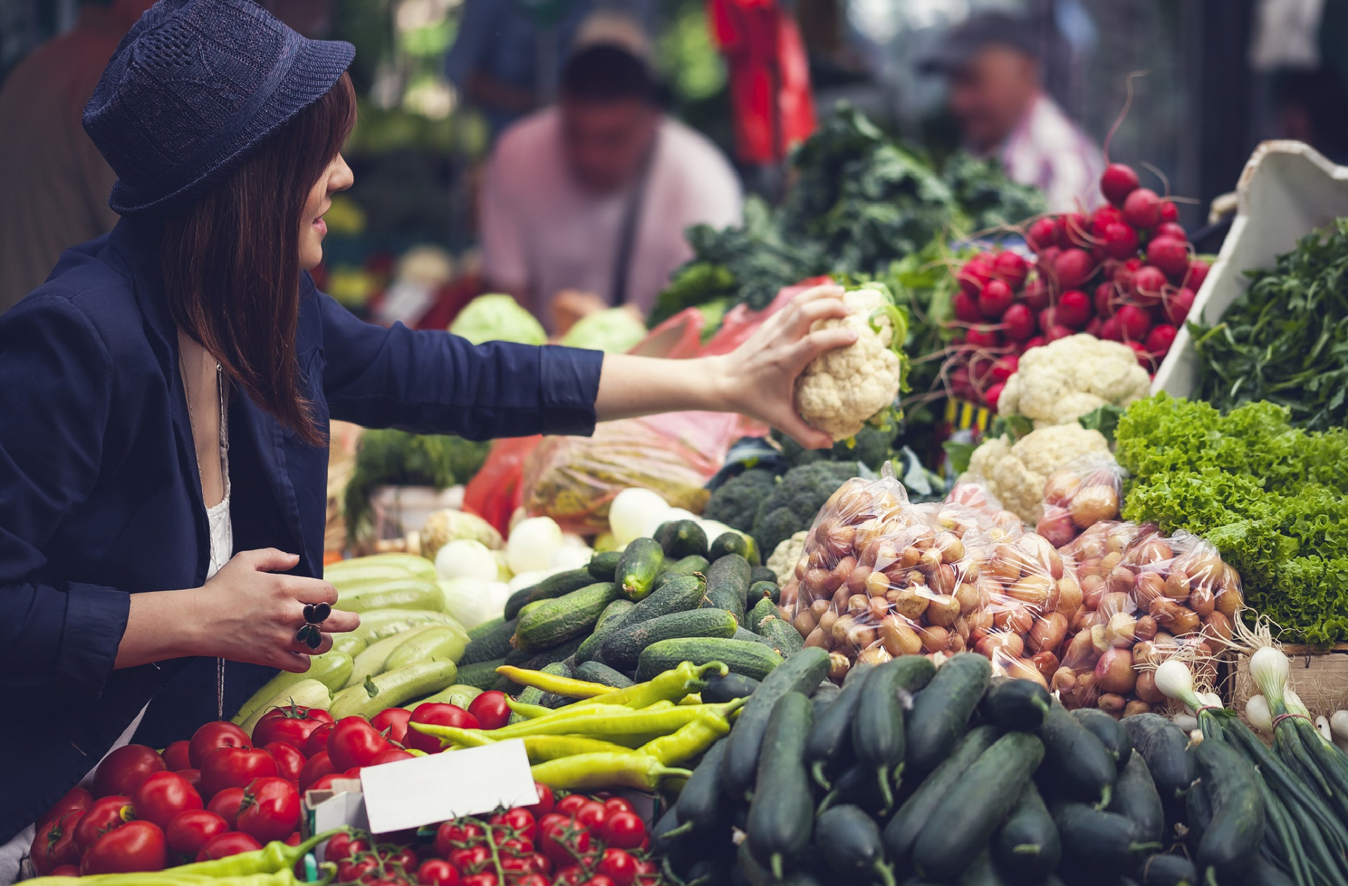 Healthy Eating Crosses Lines | Whole Foods Magazine