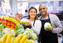 grocery retail workers produce